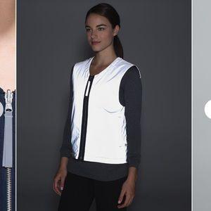 Lululemon Light & Bright Vest Inkwell / Silver